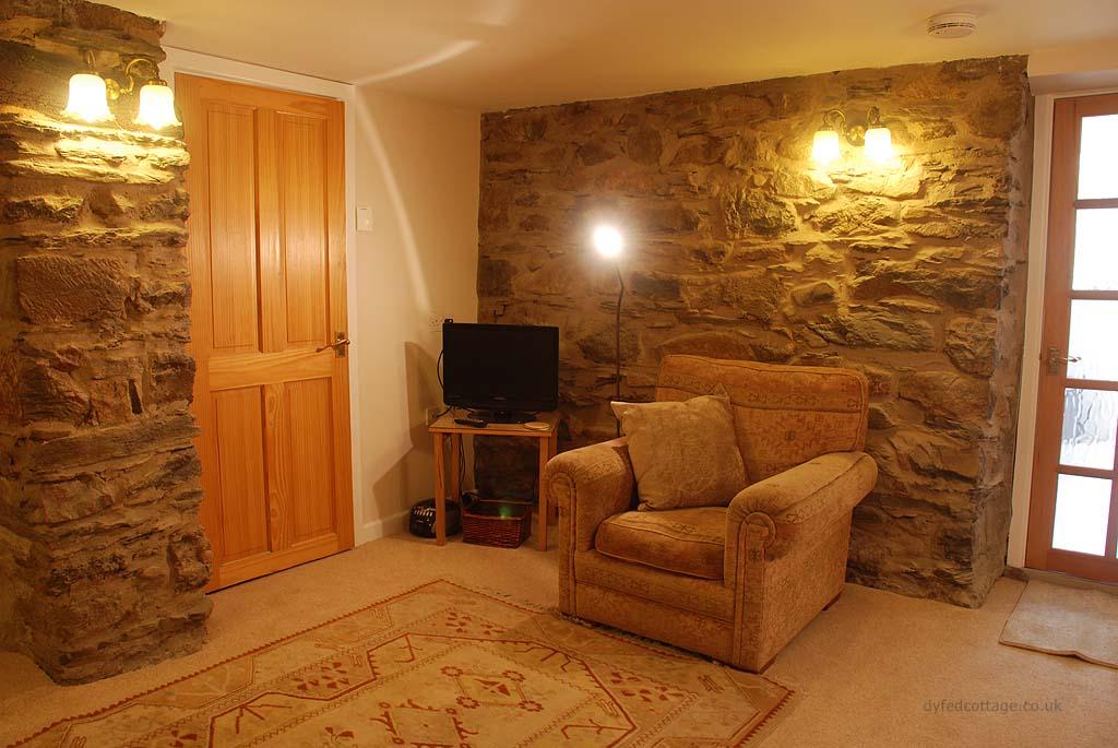 Dyfed Cottage_142122